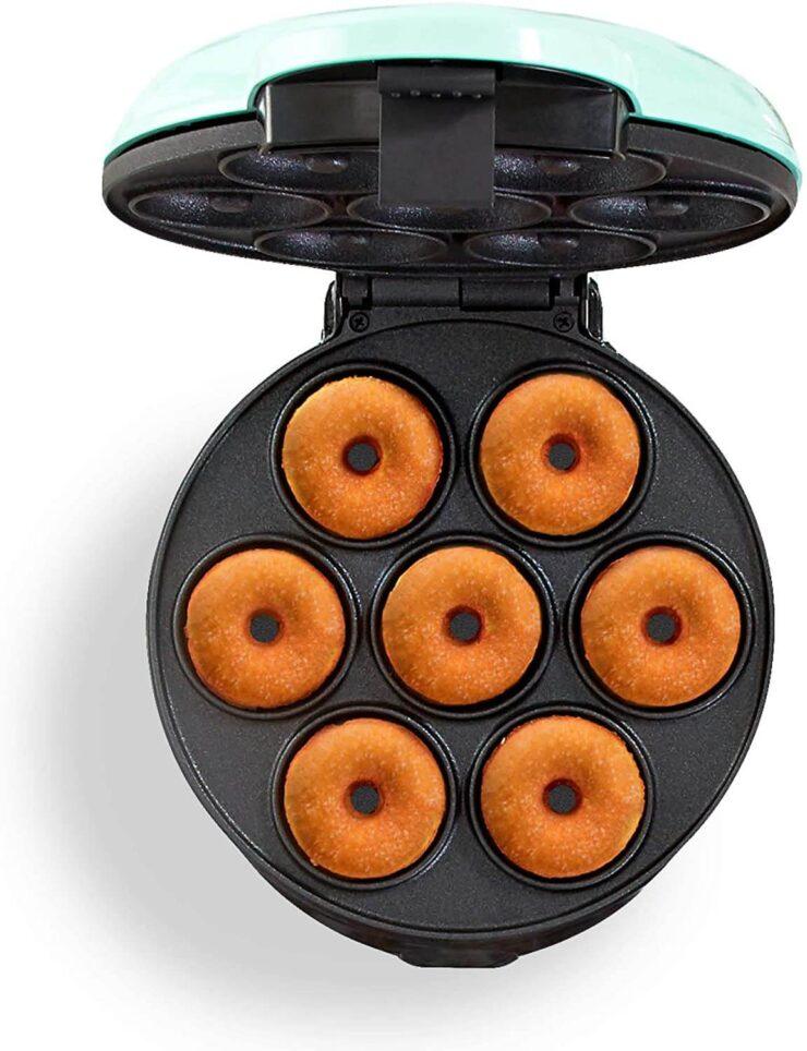 Dash DDM007 Mini Donut Maker Machine